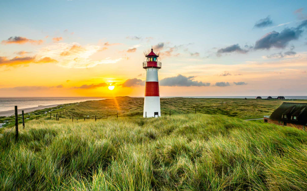 Stroll around the town or enjoy a walk over the grass-covered dunes of List and make your way to one of the 3 lighthouses in the area.