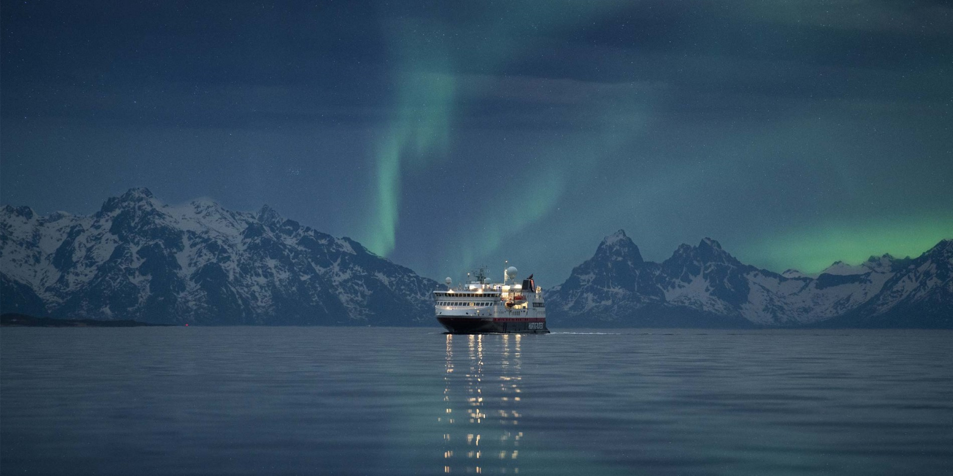 Hurtigruten_Northern-Lights_Hege-Abrahamsen.jpg